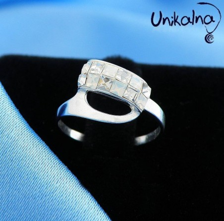 WHITE OPAL SILVER RING - сребърен пръстен с кристали Swarovski