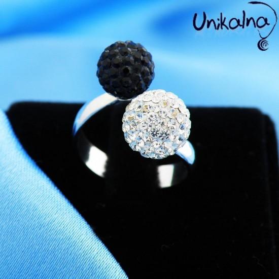 B&W DUO - сребърен пръстен с кристали Swarovski