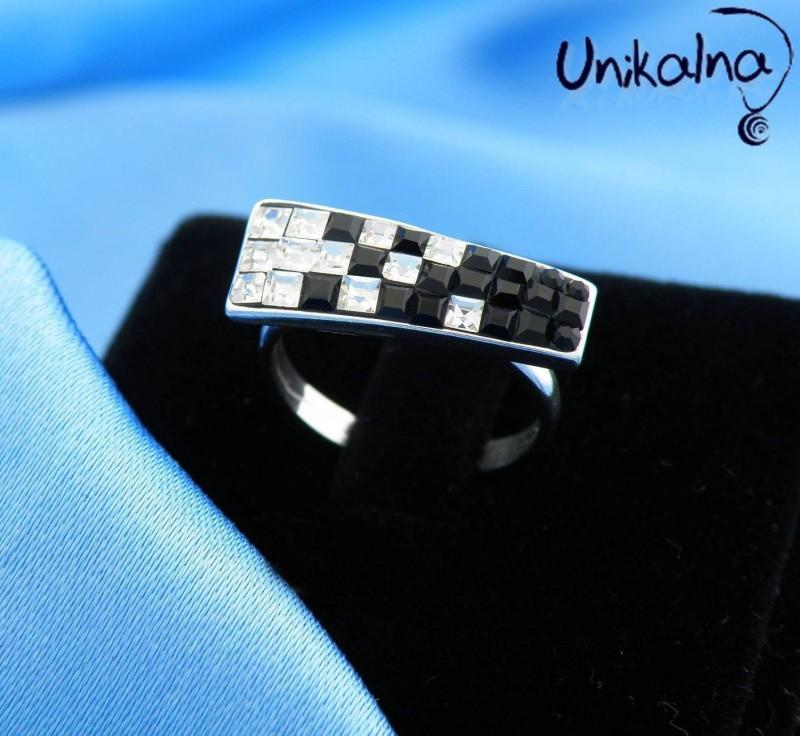 BE UNUSUAL - сребърен пръстен с кристали Swarovski