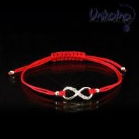 Гривна червен конец със сребро